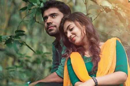 Om Shanti Oshana Song Lyrics Hridhayakavadam